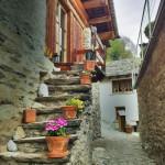 Treppe im Dorf von Soglio